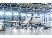 Avion dans hangar - CCI Grand Est - AdobeStock195594507